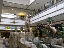 This is an actual photo of the mall I got from the internet. This is what the little girl saw as she was peering down.